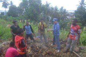 Pesta adat 'bakar batu' yang merupakan tradisi masyarakat Papua suda turun-temurun. Pesta adat bakar batu itu sengaja digelar warga Papua, sebagai ungkapan syukur atas dilantiknya kembali GSVL sebagai Walikota Manado untuk periode yang kedua bersama Wakil Walikota Mor Dominus Bastiaan SE.