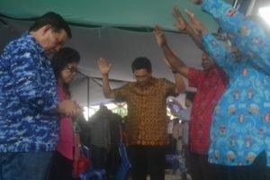 Ucapan syukur warga Papua atas dilantiknya kembali Walikota GSVL