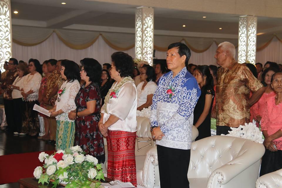 Walikota Manado DR Ir GS Vicky Lumentut SH MSi DEA menghadiri ibadah pra-Natal Lansia Gereja Masehi Injili di Minahasa (GMIM) Rayon III Manado. (foto: Ist)